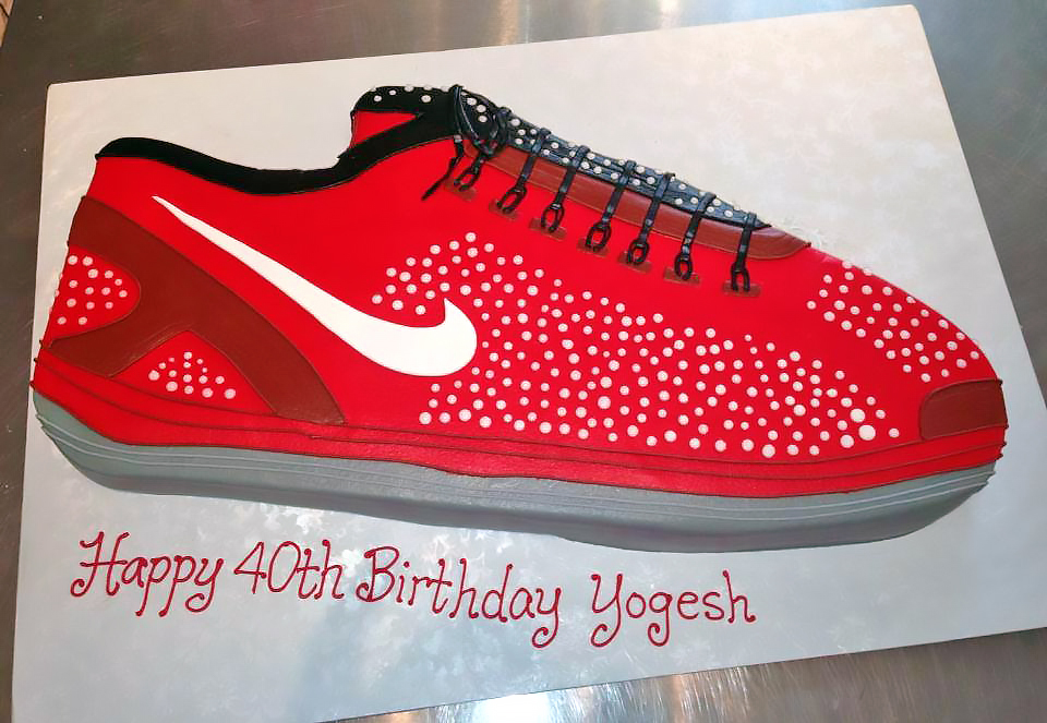 40th-birthday-adult-cake-nike-shoes-884