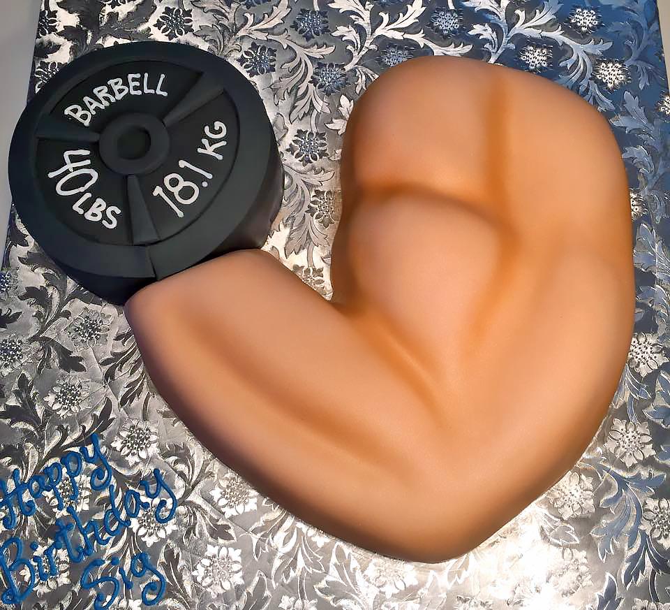 adult-birthday-cake-weight-lifting-360