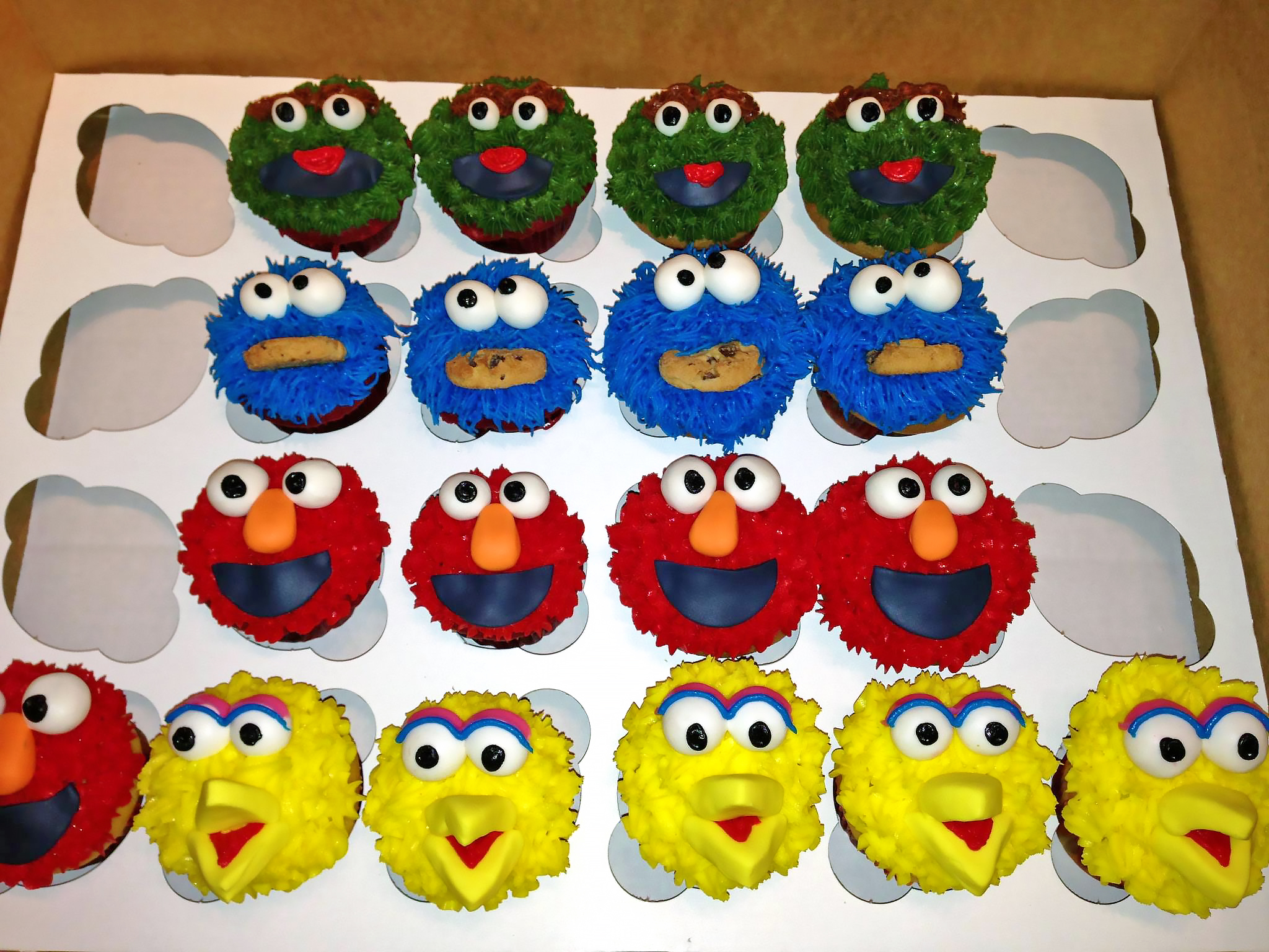 big-bird-birthday-cookie-monster-cupcakes-elmo-oscar-the-grouch-sesame-street-998