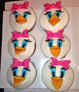 birthday-cupcakes-daisy-duck-girls-1146