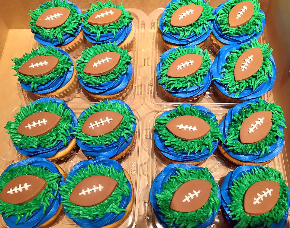 cupcakes-football-488