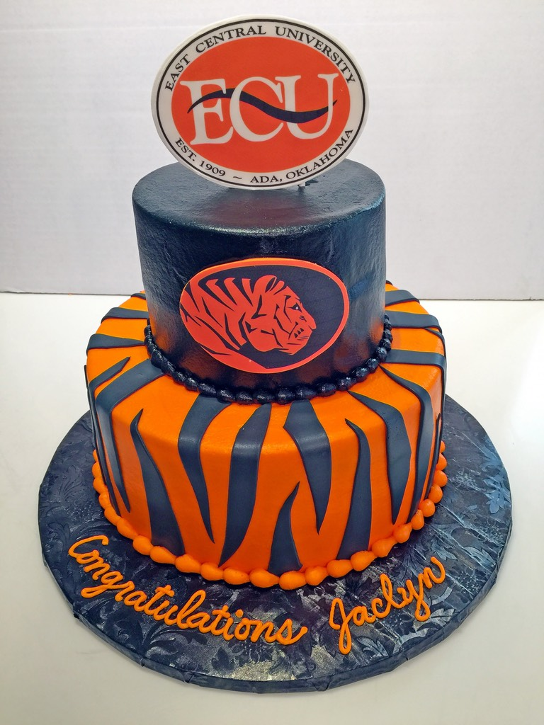 adult-birthday-college-east-central-university-2tier-cake-096