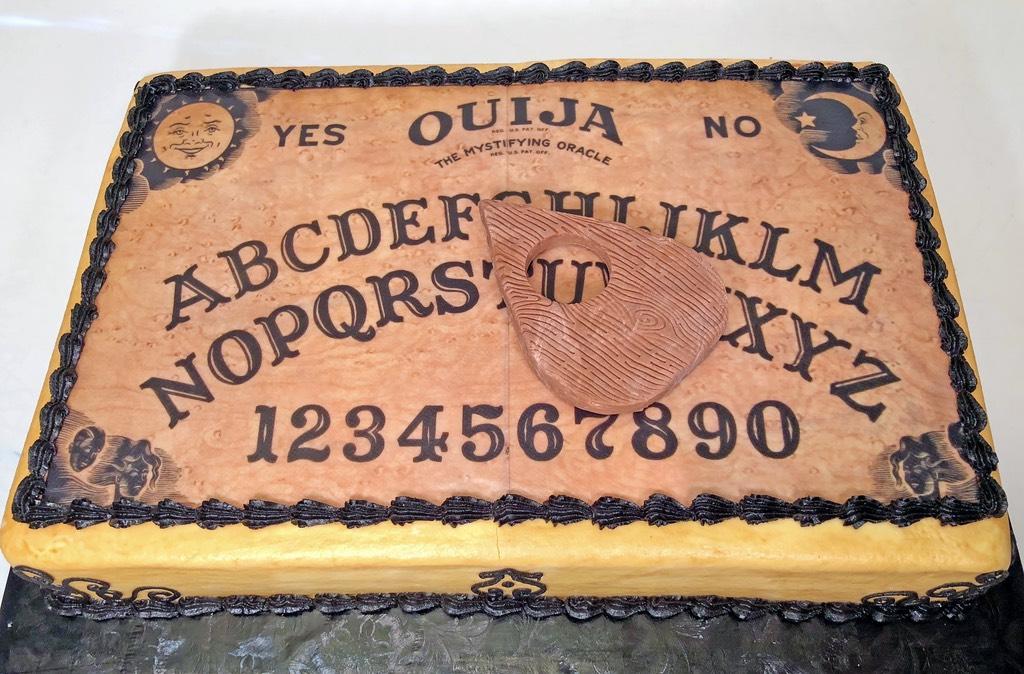 adult-birthday-ouija-board-cake-085