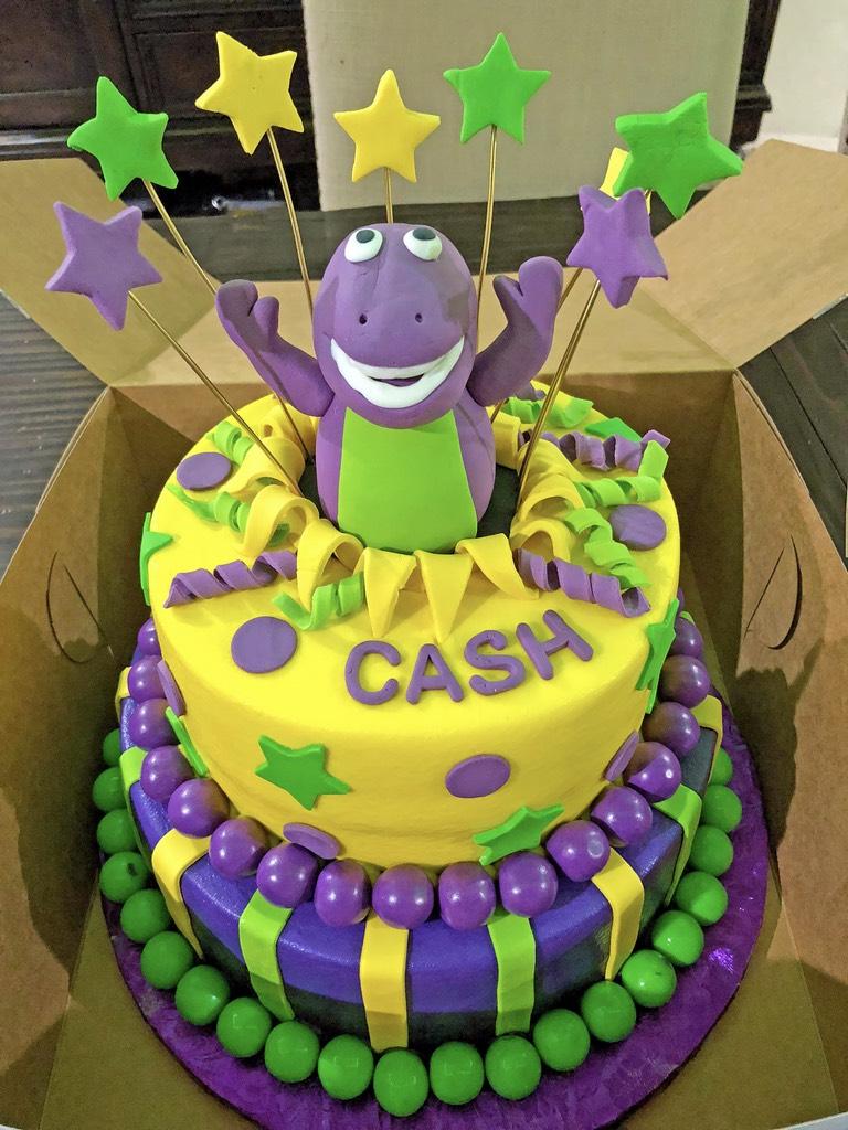 boys-2tier-birthday-barney-cake-040