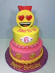 cake-girls-2tier-emoji-pink-yellow-069