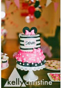 cake-girls-minnie-mouse-2tier-pink-black-bow-dress-053