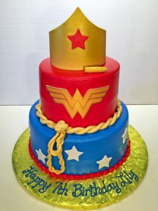 cake-girls-wonder-woman-3tier-lasso-107