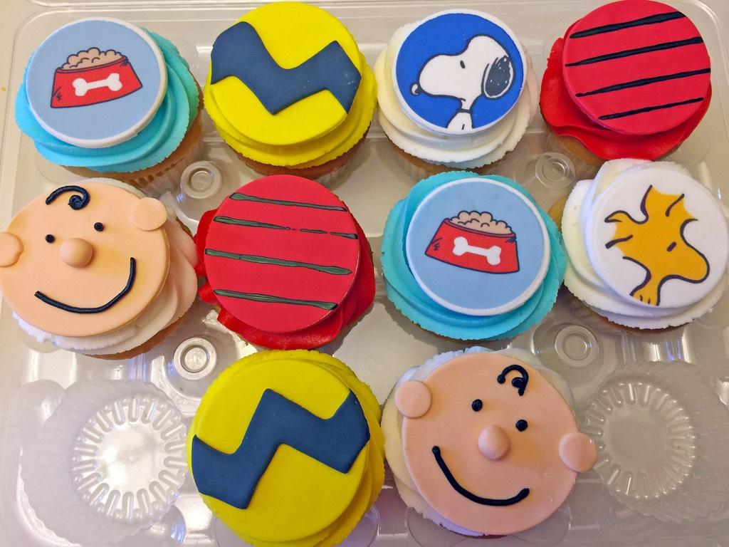 cupcakes-peanuts-snoopy-charlie-brown-woodstock-106
